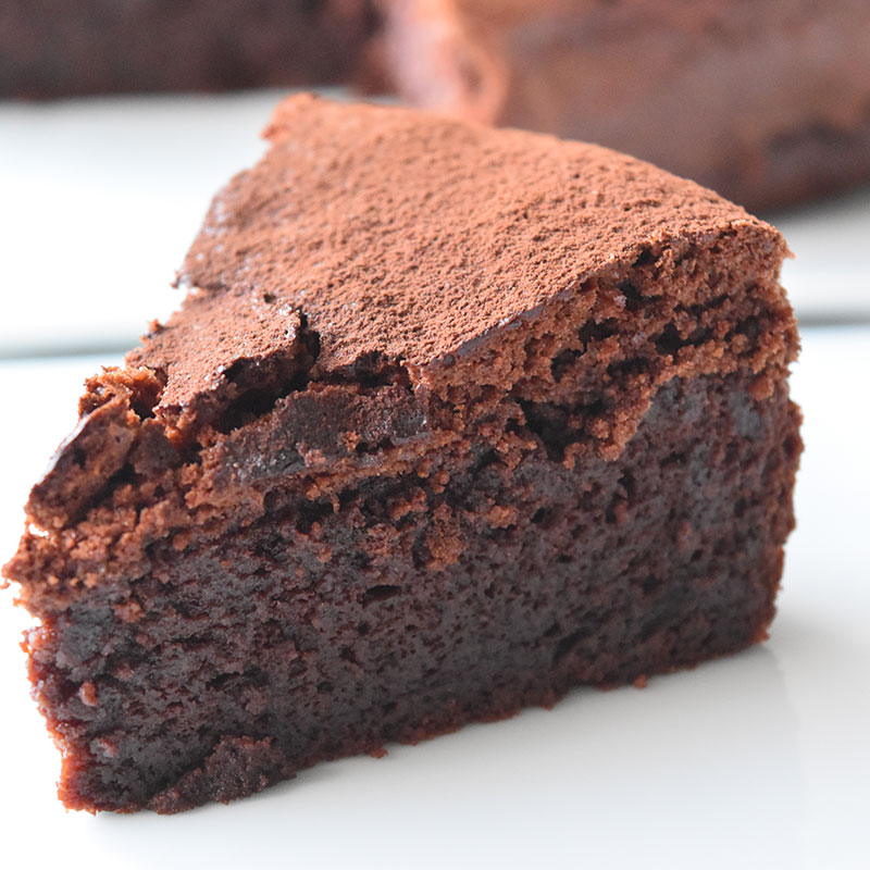 リッチなしっとりチョコレートケーキ
