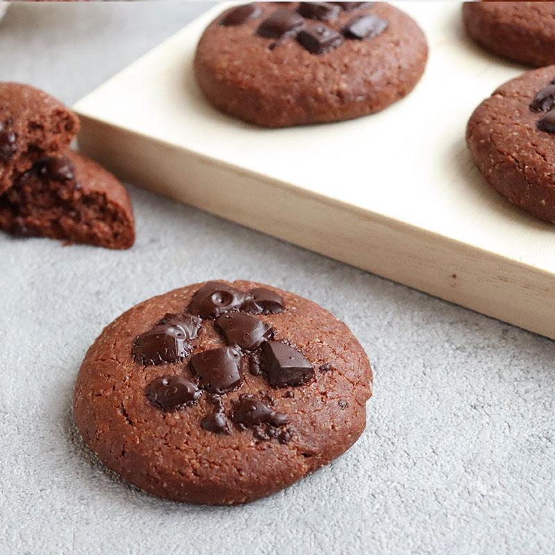 混ぜるだけ!簡単!アーモンドフラワーのソフトチョコクッキー