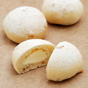 オレンジとチーズクリーム入り白パンのレシピを見る