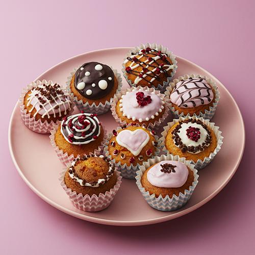 チョコと木いちごのミニカップケーキ